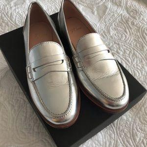 EUC Jcrew retail metallic penny loafer size 5